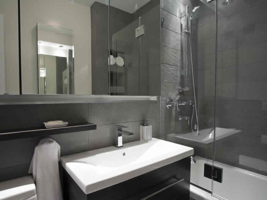 best bathroom design and install company in Rossmore