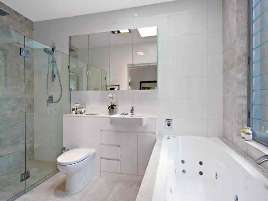 best bathroom reno company in Como